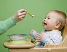 Чем кормить ребенка до года