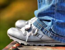 Как вручную подшить джинсы